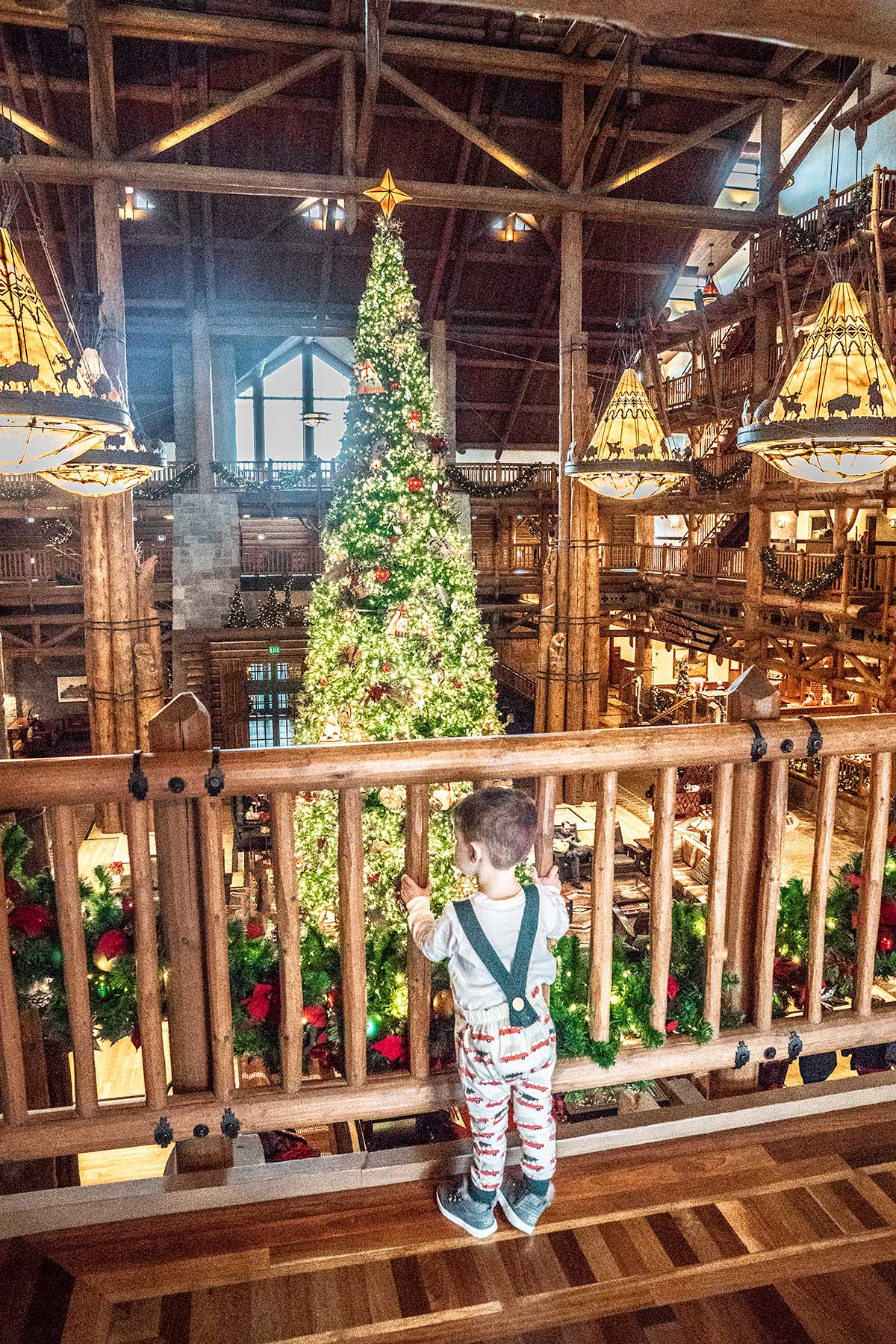 What It S Like To Stay At Disney S Wilderness Lodge At Christmas Jen Elizabeth S Journals