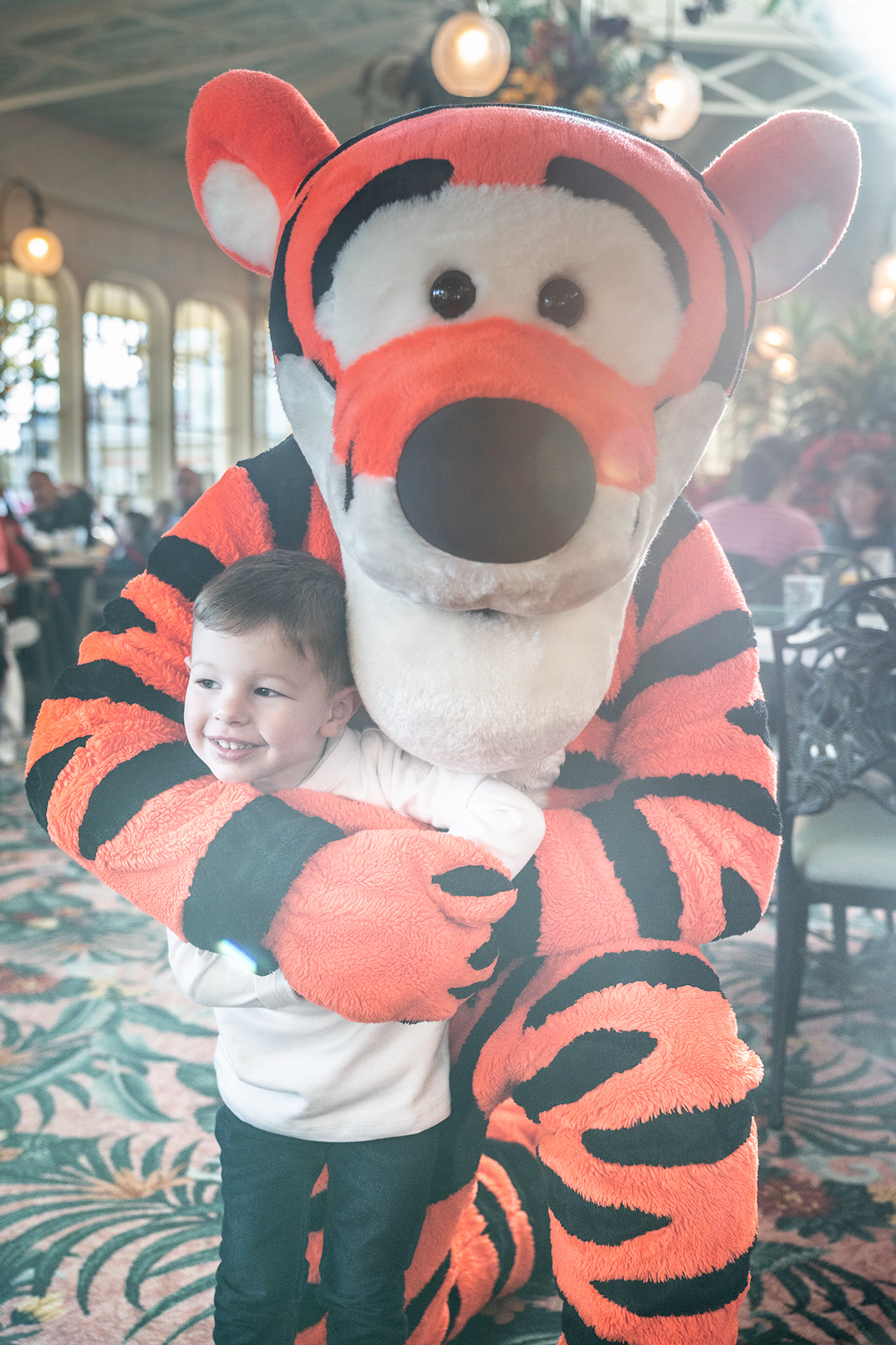 Meeting-Tigger-at-Winnie-The-Pooh-Character-Breakfast