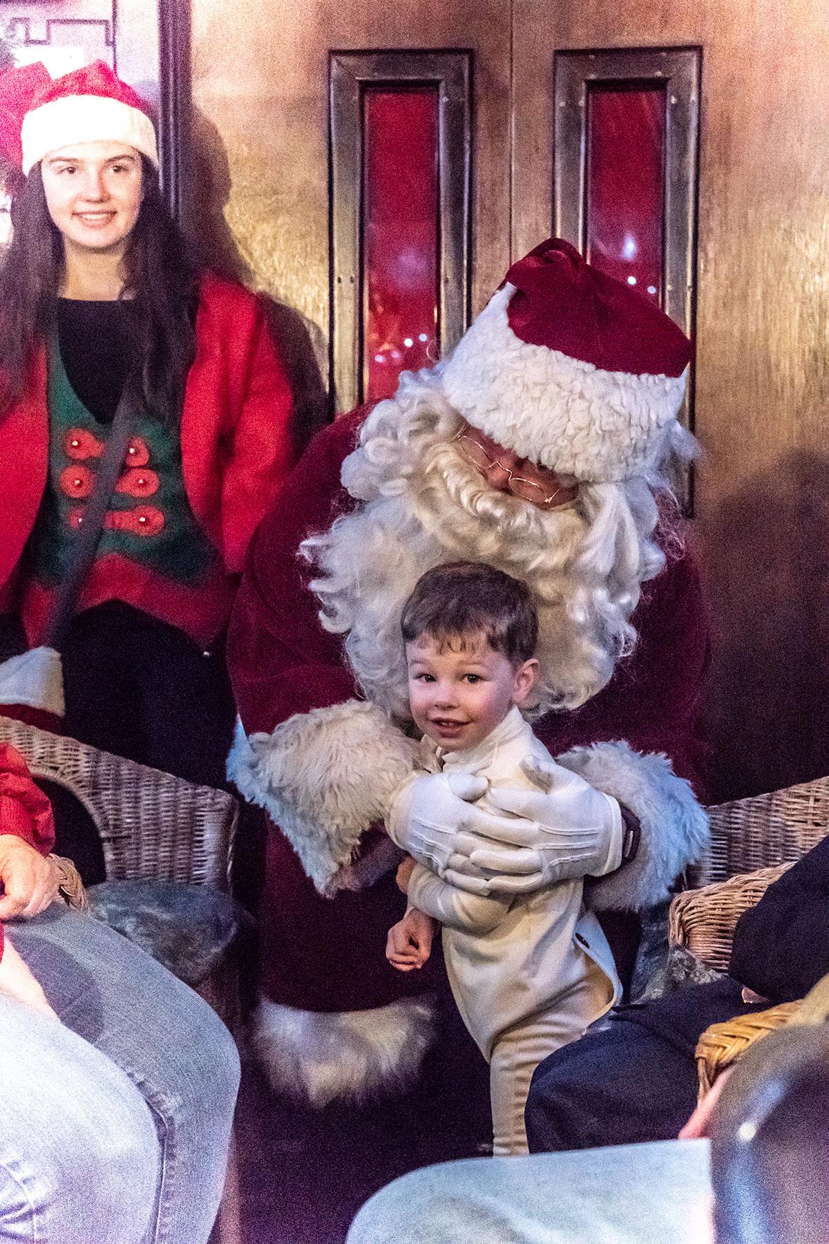 Metting-Santa-Aboard-Polar-Express