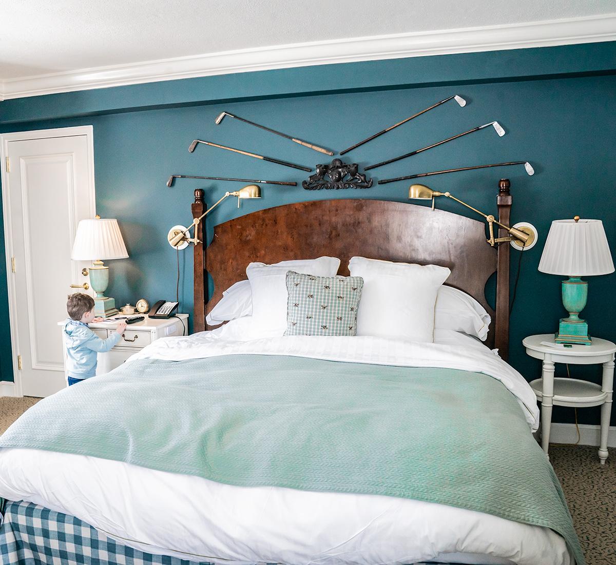 Bedroom-at-The-Woodstock-Inn-and-Resort