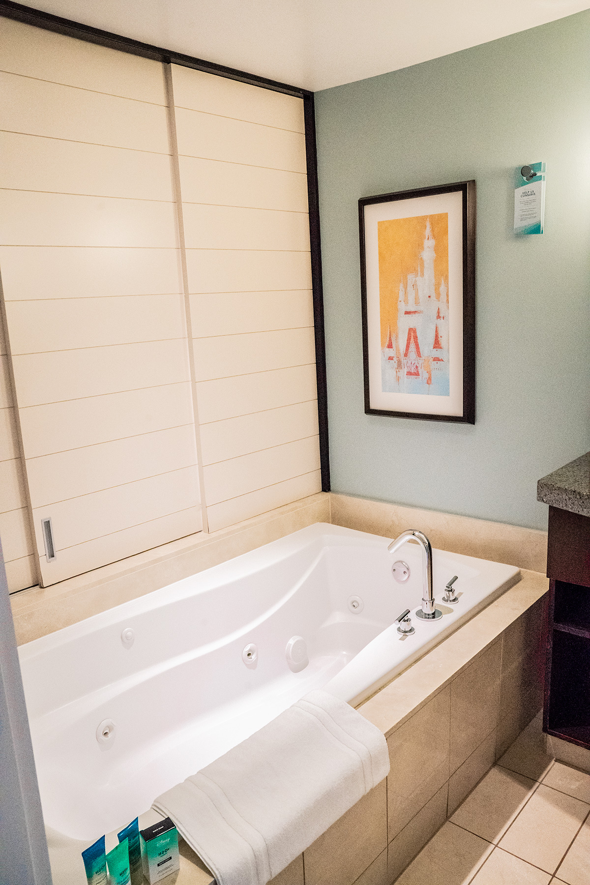 Disneys-Contemporary-Resort-Jetted-Tub-One-Bedroom-Suite