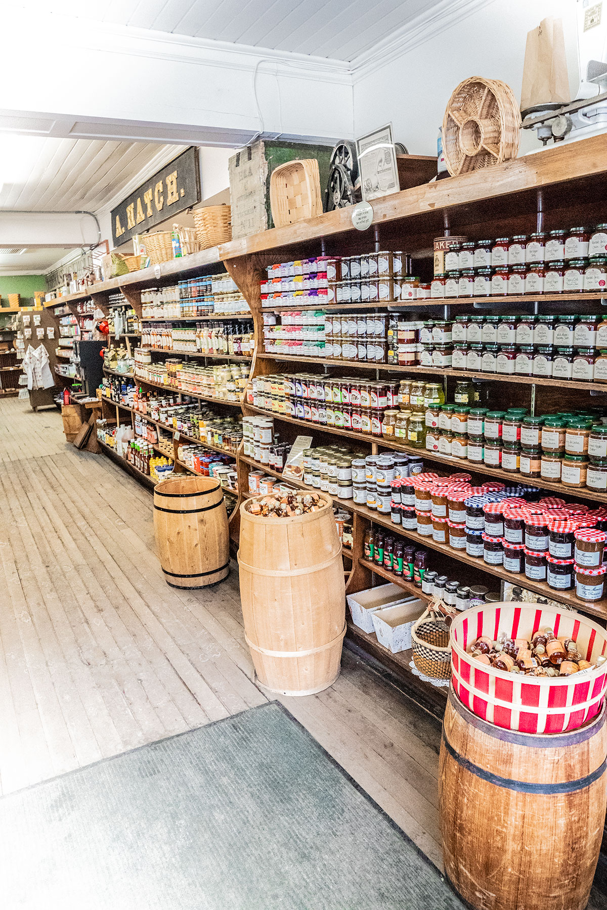 Old-Fashioned-Country-Store-Woodstock-Vermont