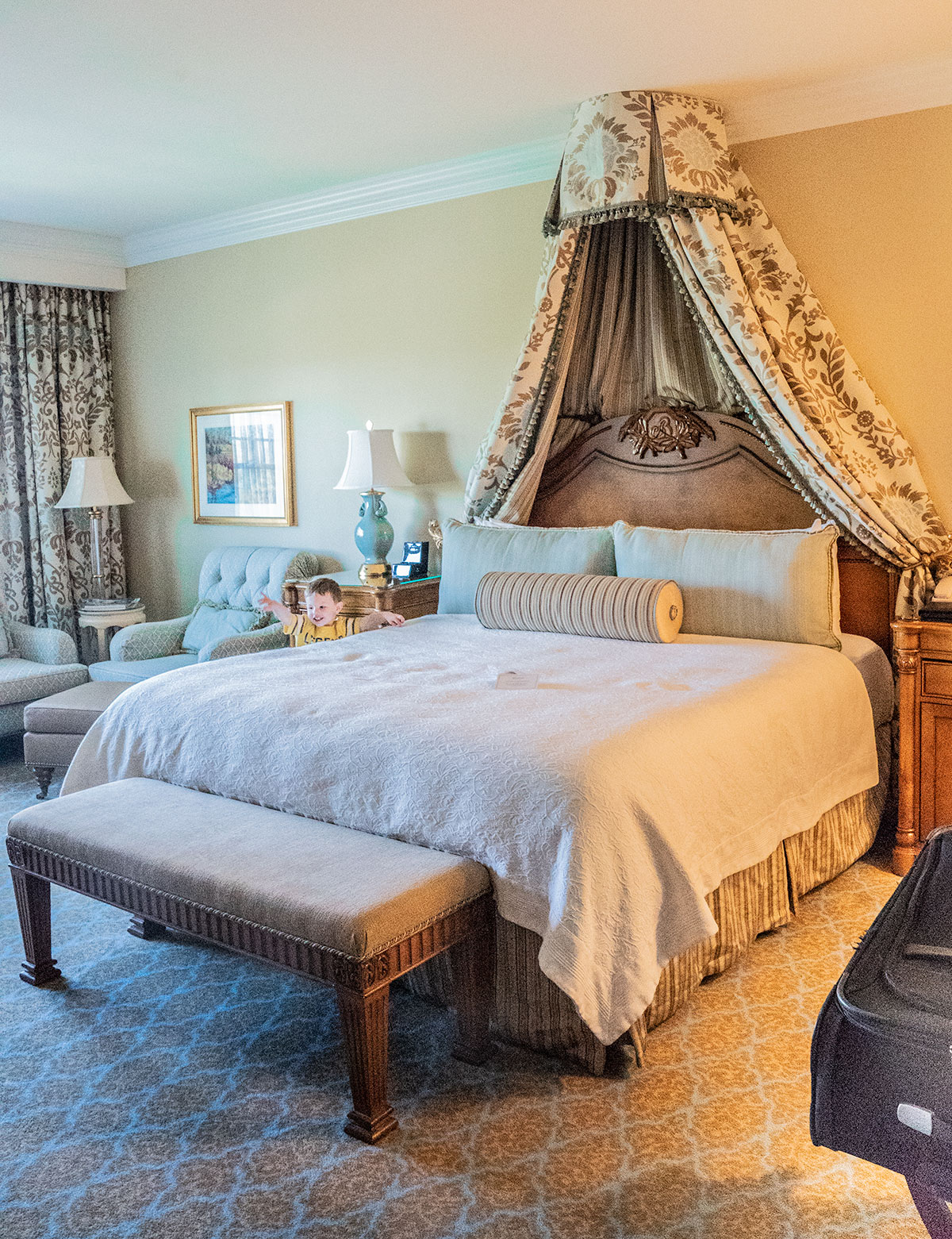 Broadmoor-Bedroom-Colorado-Springs