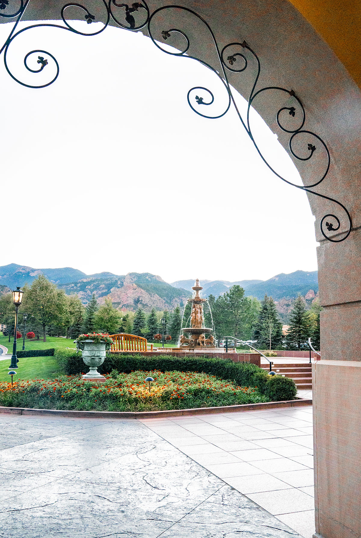 Broadmoor-Colorado-Springs-Review