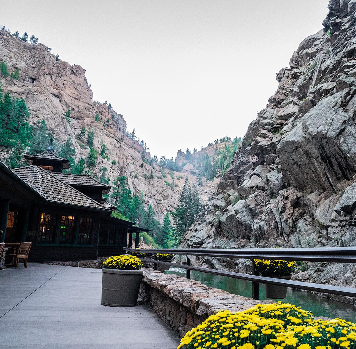 Colorado-Springs-Broadmoor-Seven-Falls