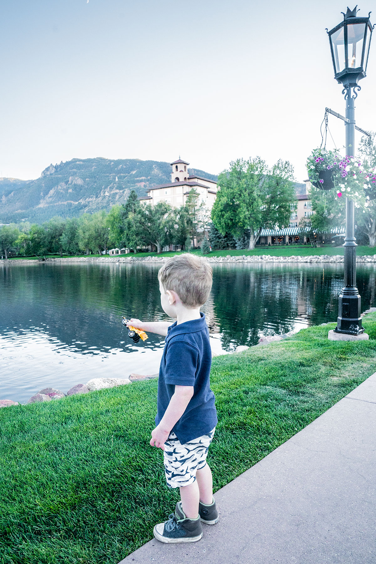 Evening-at-Broadmoor-Colorado-Springs