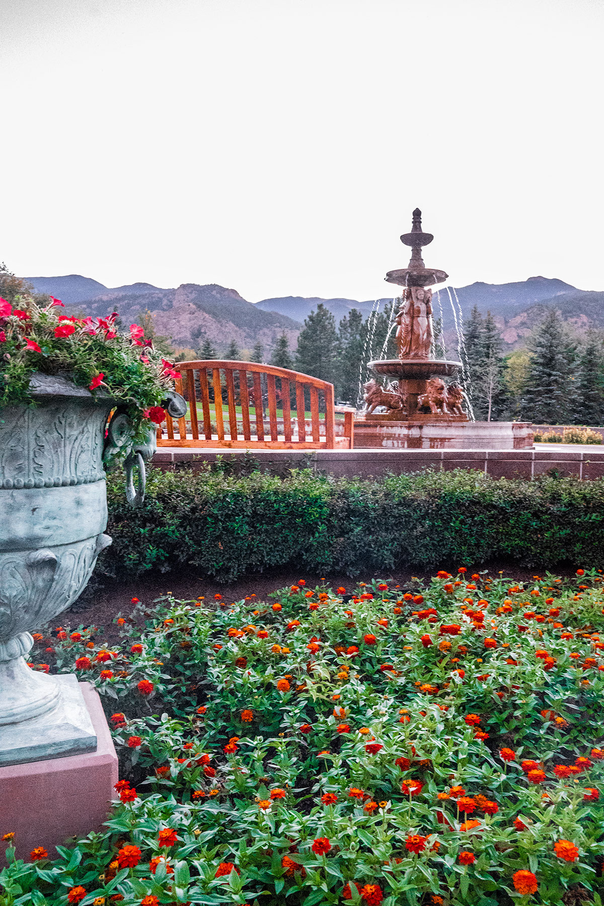 Fountains-and-Gardens-Broadmoor-Colorado-Springs