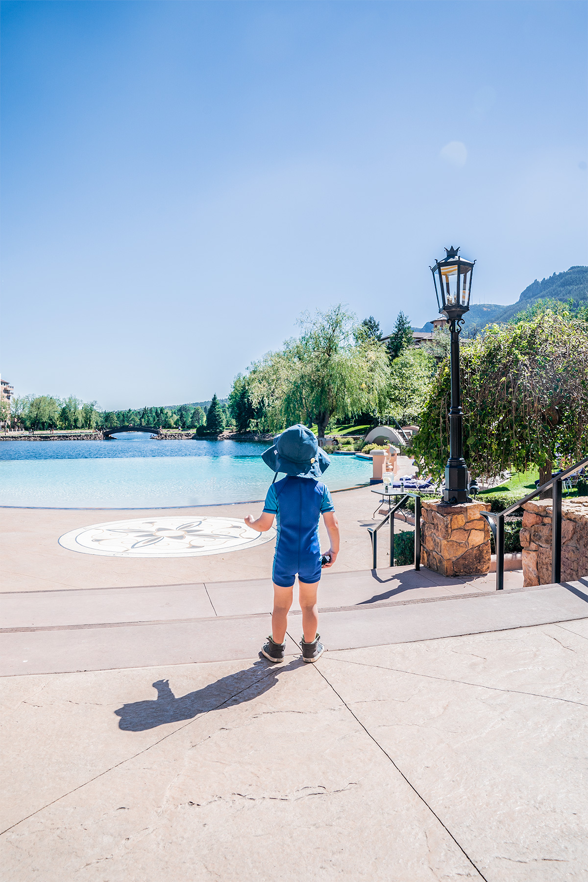 The-Broadmoor-Pool-Colorado-Springs