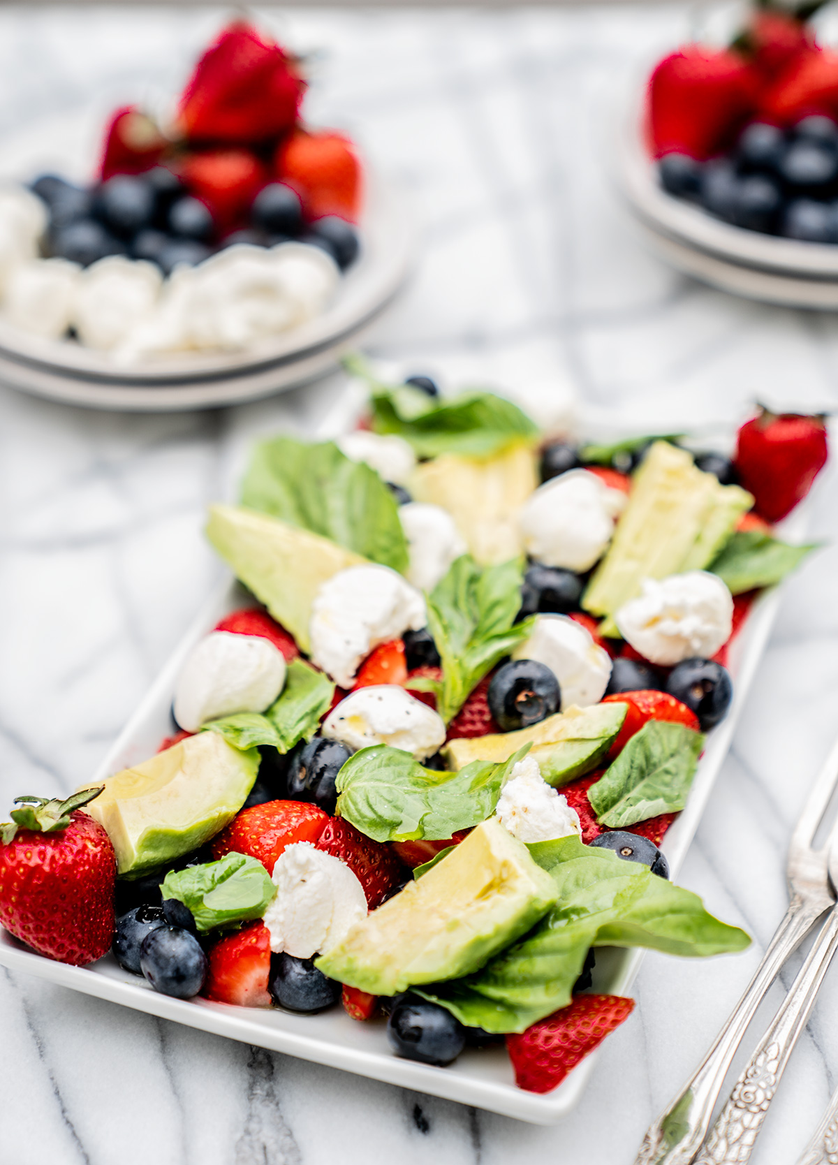 Avocado-and-Blueberry-and-Strawberry-Caprese-Salad