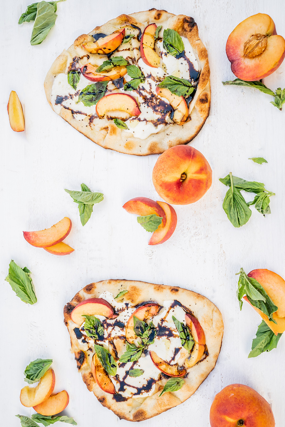 Peach-Caprese-Grilled-Flatbread